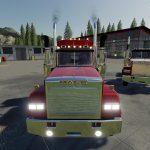 Mack Daycab and Mack Sleeper Truck v 1.0.0.5